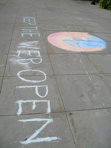 Yale Students for Free Culture help spread the word about the Open Web for Mozilla Service Week